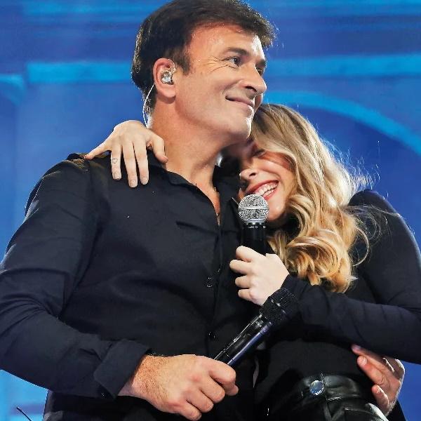 Tony Carreira e família dão os parabéns a Sara Carreira num dos locais preferidos da cantora