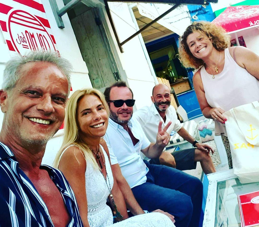 Ricardo Carriço e Ana Rebelo com amigas