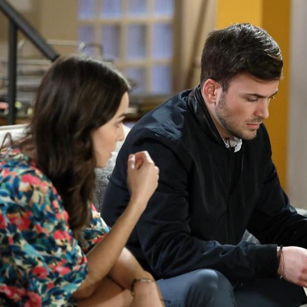 Bem Me Quer: Artur descobre que Teresa também teve um caso com o seu pai