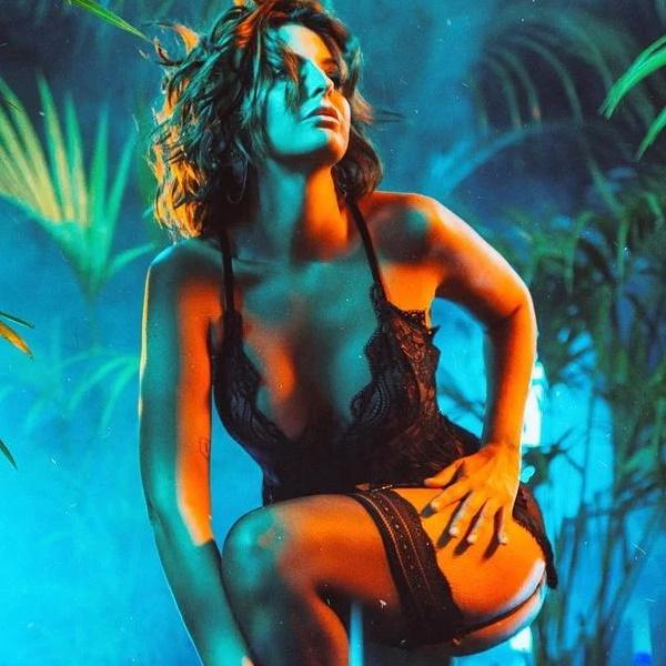Jessica Athayde em cenas escaldantes e sensuais na nova série da SIC