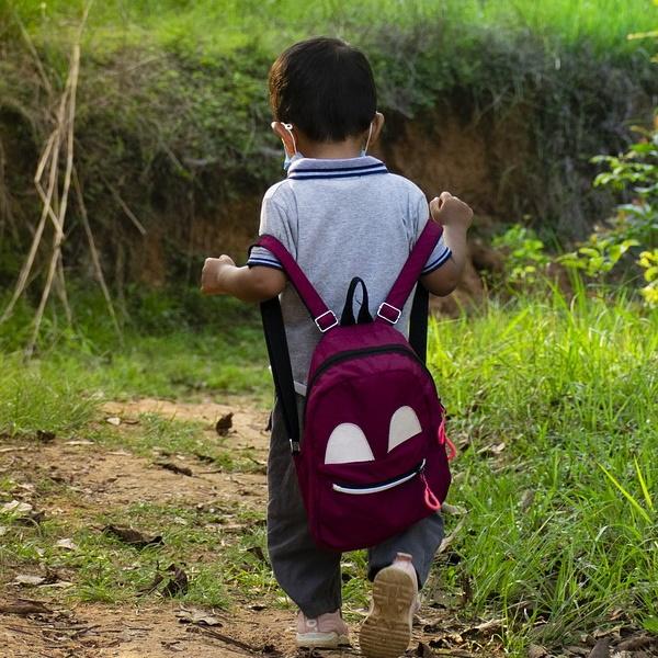 Mochila pesada: Olhe pelas costas dos seus filhos