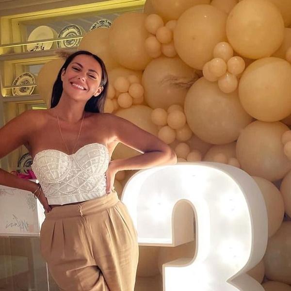 """Festa de arromba: Sofia Ribeiro reune amigos em hotel de Lisboa .""""Noites felizes… Manhãs difíceis"""
