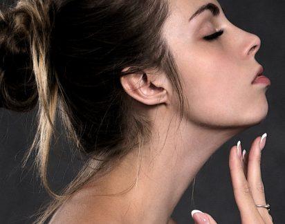 Exercícios para atenuar o envelhecimento da pele do rosto e do pescoço