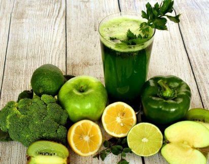 Desintoxicar e perder peso: Eis os benefícios dos sumos e smoothies