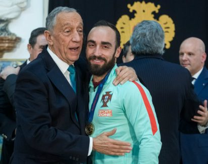 Presidente Marcelo faz selfie com os campeões europeus em Belém